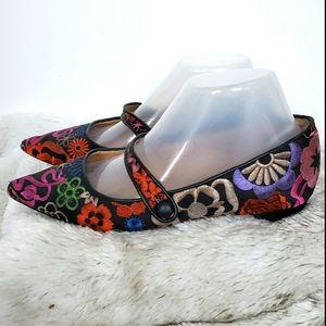 Tahari Boho Floral Embroidered Pointy Toe Flats 7